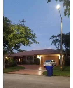 Solar Street Light 50W 5000Lm 12V 20AH Microwave Motion sensor included