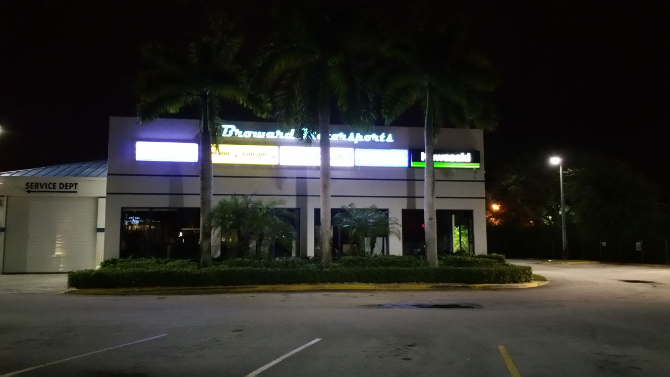 Broward Motorsports signs using LEDRadiant LED rope 5000K